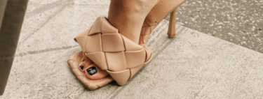 The sandals that everyone wants and are not yet for sale are braided and cost almost 1,000 euros, clone