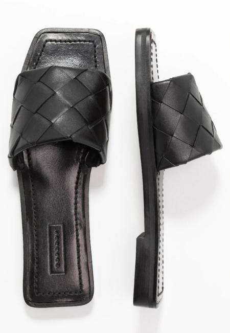 Penelope Flat Sandals