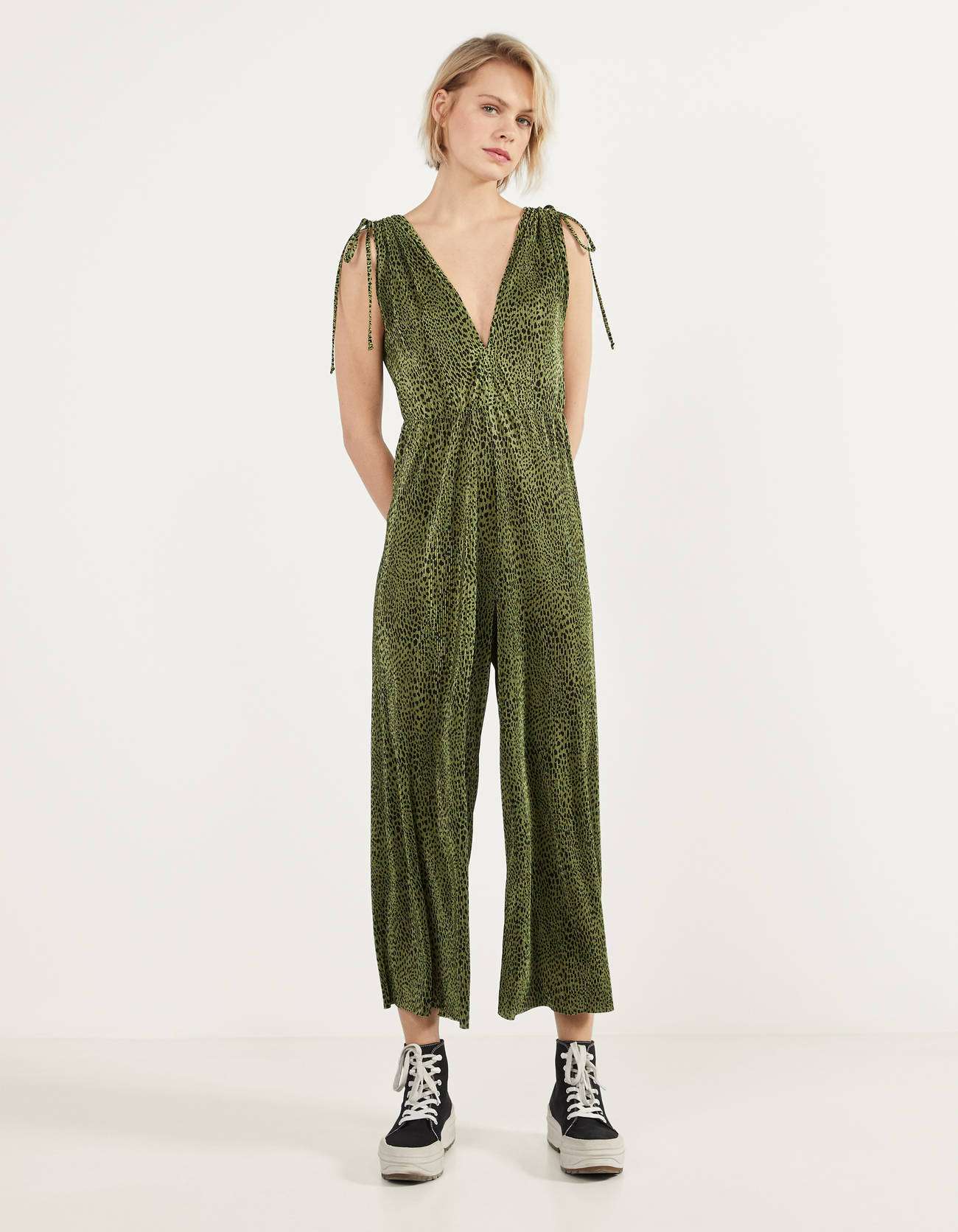 Pleated coverall with print