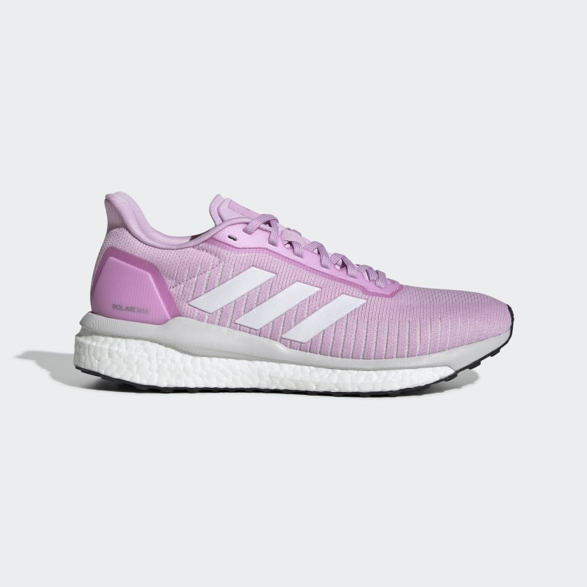 Pink classic-cut shoe