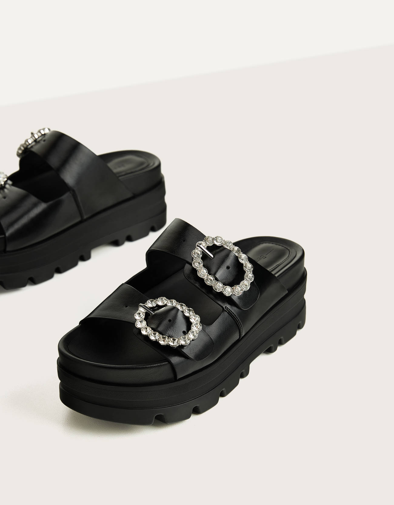 Ugly sandals with platform and jewel buckles