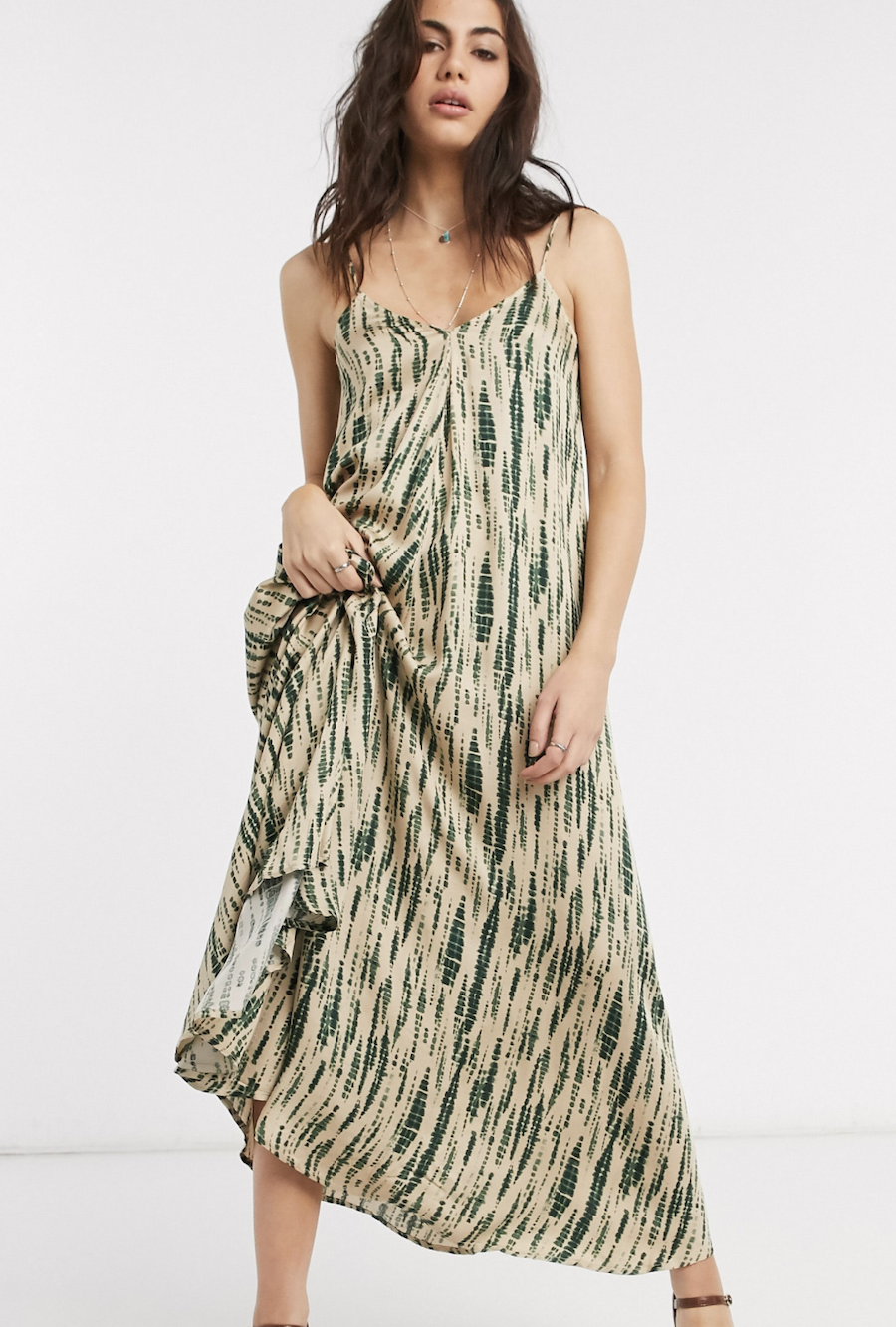 Long dress with back lace and fuzzy Object