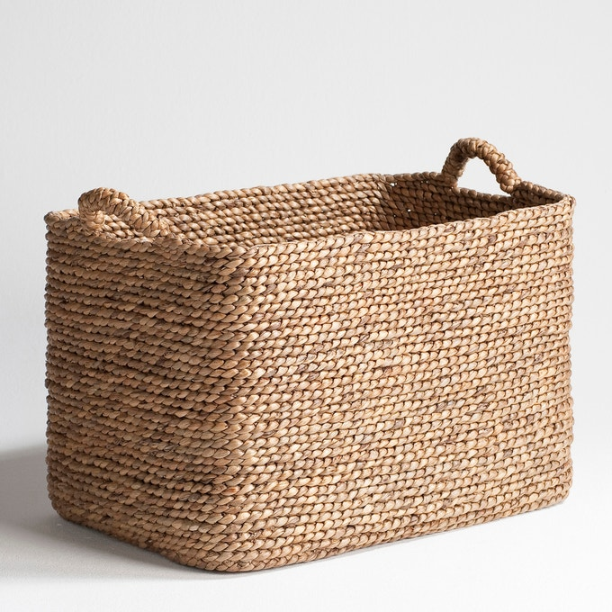 ectangular braided basket, Raga