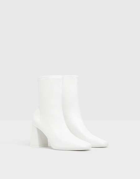 White Boots Aw 2020 06