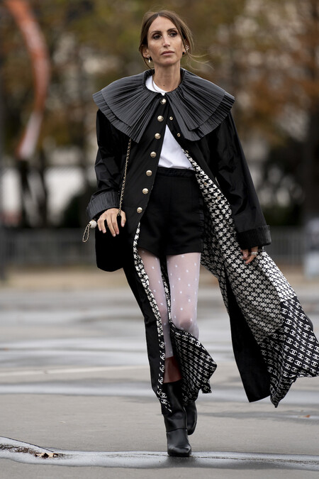 Chanel Street Style Stockings 01
