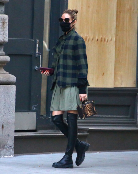 Olivia Palermo Musketeer Boots 02