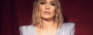 Jennifer Lopez takes on the graphic eyeliner that opens up the eyes at the American Music Awards 2020