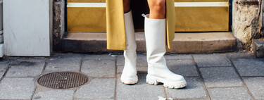 In four different colours, with a high top and a rough sole: these are the boots that succeed in the street style (and that sign an instagramer)