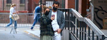 Autumn looks gain strength if they come from the hand of Olivia Palermo: it's time to rescue the musketeer boots