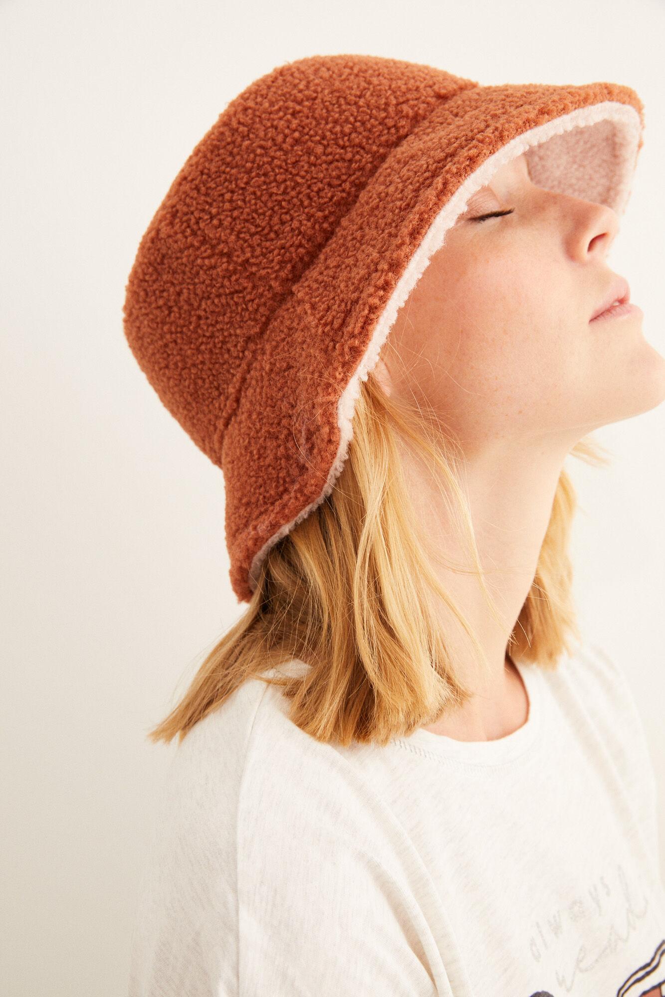 Reversible sheep bucket hat