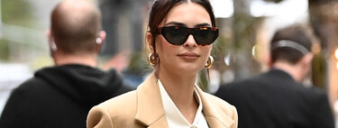 Emily Ratajkowski promises to leave us with outrageous pre-mommy looks where her belly takes center stage (just like in her tummy tuck days).
