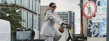Five ways to pair baggy suits with shoes to create a 'trendy' look with a masculine feel.