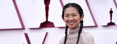 Nomadland director Chloé Zhao opts for white sneakers to walk the red carpet at the 2021 Oscar Awards.