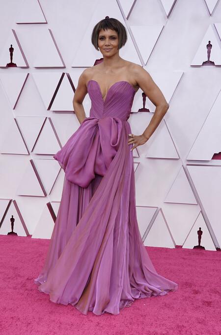 Halle Berry Dolce Gabanna Oscar 2021