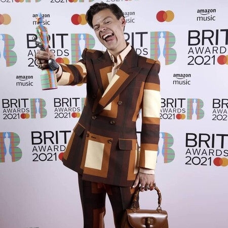 the brit awards red carpet 2021 harry styles