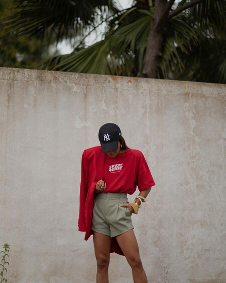 Combining Shorts Summer 2021 Street Style 03