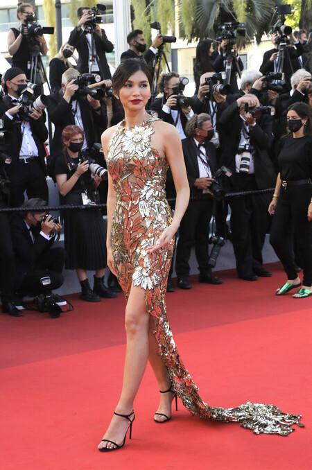 Gemma Chan red carpet cannes 2021