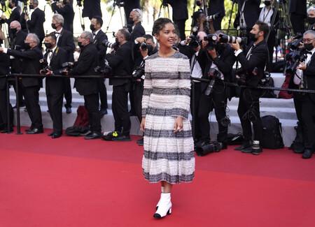 Lyna Khoudri red carpet cannes 2021