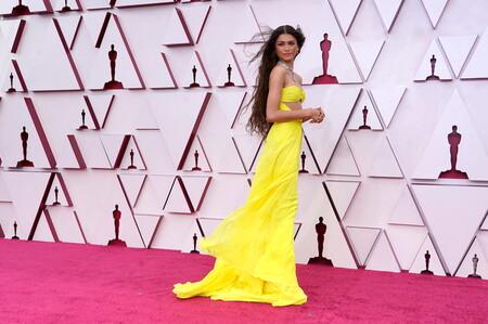 Zendaya Valentino Haute Couture Oscar 2021 02