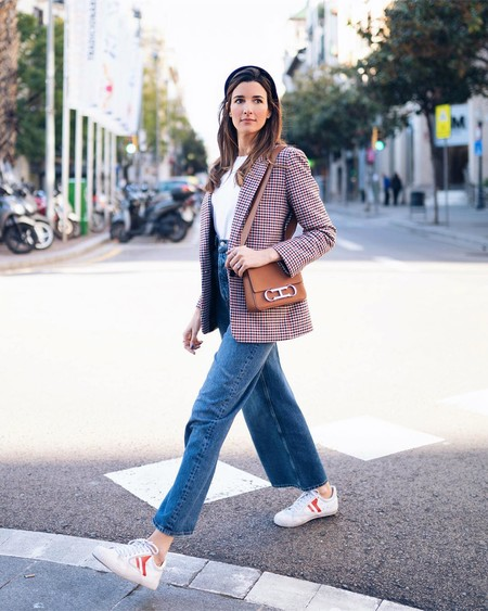 Office Look With Sneakers 06